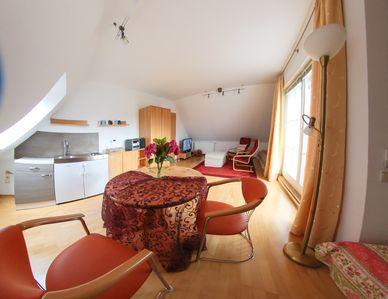 Quiet-close Leipzig rooftop terrace with uninterrupted views of the green-stylish whirlpool