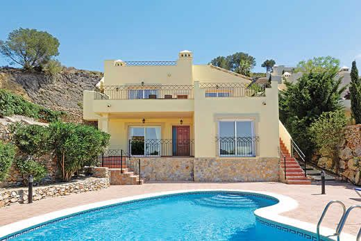 Open-plan villa close to hotel resort with a private pool & free Wi-Fi