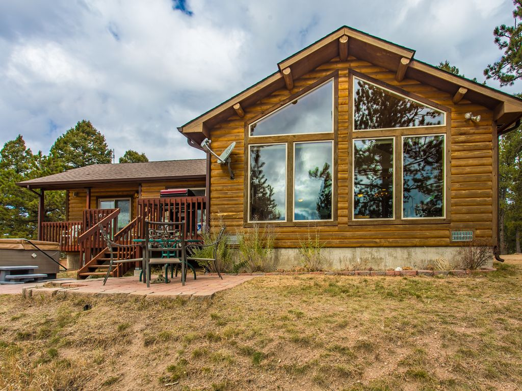 secluded mountain cabin pikes peak view hot vrbo