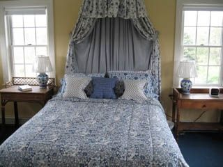 Surfside Nantucket house photo - Master bedroom with cathedral ceiling