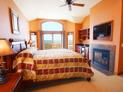 "Luxurious master suite- fireplace 32"" LCD/DVD beverage center and ocean views"