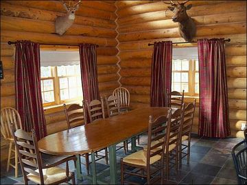 Dining Room Seating for 8 at the Table
