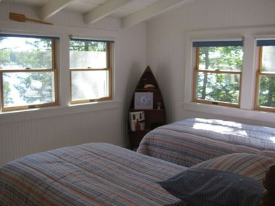 Twin beds with lakeview