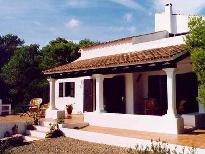 House by the sea with bathing facilities, dream view, quiet location
