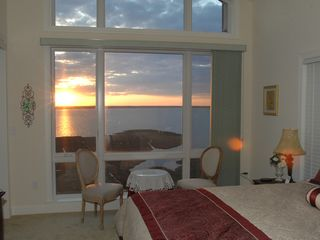 Rivendell Ocean City condo photo - Master Bedroom at sunset!