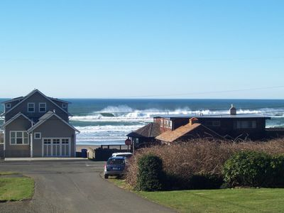 Lincoln City house rental - NE 66th beach access