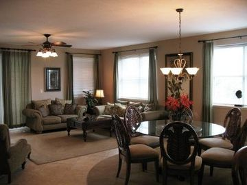 Ariel Dunes condo rental - Living/Dining Area is 20'x25' !! Spacious and beautifully decorated - Destin LOC
