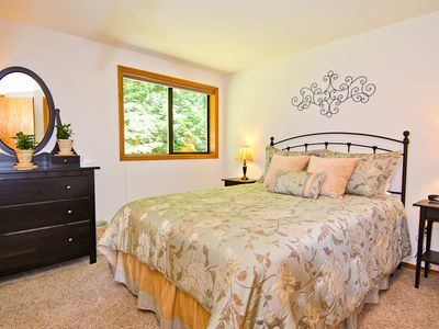 All 3 bedrooms have forest and/or cove views; new high-quality beds and linens.