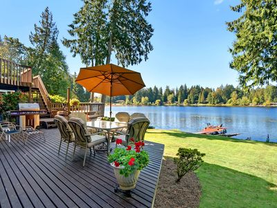 Close To Seattle/Bellevue - Waterfront Paradise on Serene Private Lake