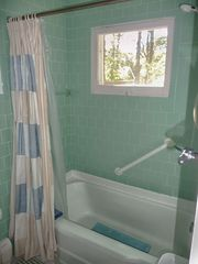 Hyannis - Hyannisport house photo - Full bath with tub/shower combination