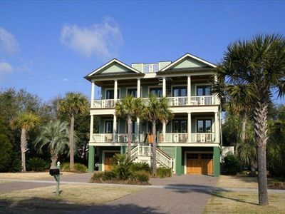 Beautiful vacation home, ready for your family and friends to enjoy!