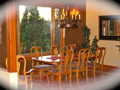 Enjoy your family dining while looking at the mountain views.