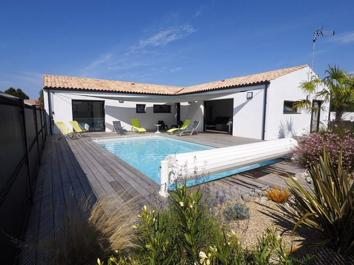 NEW VILLA WITH HEATED POOL 28 ° LES MATHES / LA PALMYRE