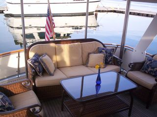 Boston yacht photo - Green Turtle II Aft Deck