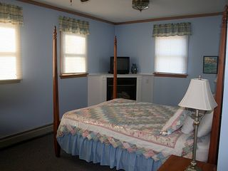 Killington house photo - Bedroom #3 with queen bed, twin bed, fireplace, and private bath
