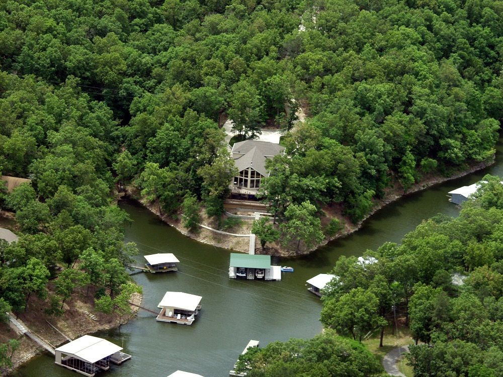 Beautifully secluded multi level waterfront homeaway for Grand lake oklahoma cabin rentals
