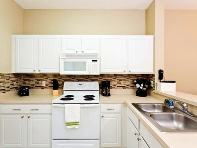 Emerald Island townhome rental - Fully equipped kitchen with dishwasher