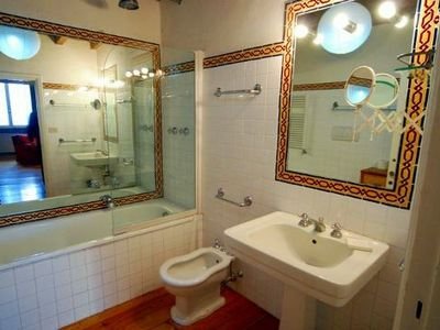 Centro Storico (Old Rome) apartment rental - bathroom