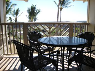 Waikoloa Beach Resort condo photo - The Lanai also overrlooks the pool and hot tub