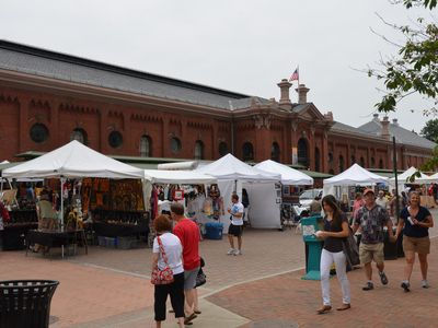 Weekends @ Eastern Market, a pedestrian plaza 1 block away!