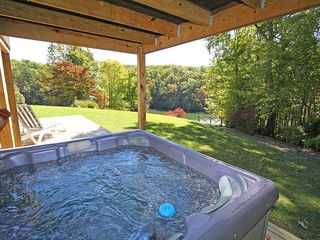 Huddleston house photo - Hot-Tub