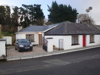 Golf, Fishing, Bicycling, Charming Cottage in the Village of Ballymore Eustace