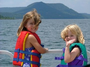 Greers Ferry Lake condo rental - Boating