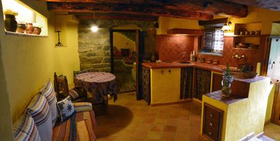 Oto: Stone house for 2 to 8 kms Ordesa National Park