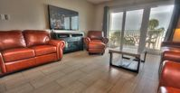 Swanky Oceanfront Close to John's Pass in Mad Beach and Sleeps 10!