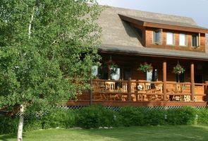 We offer you the perfect place to vacation near Bozeman, Montana! Come see!
