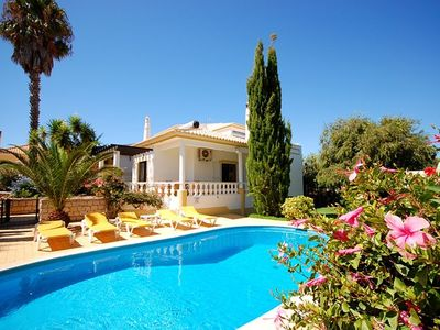 Vale de Parra villa rental - Pool 8 x 4m, fenced pool area, BBQ, outside shower