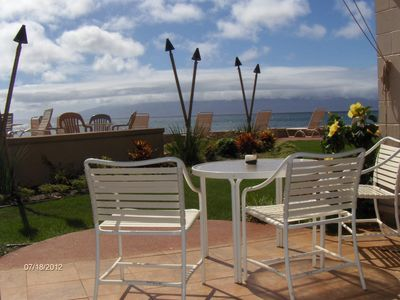 Grill fresh fish on gas grills and dine your oceanfront Maui rental condo lanai