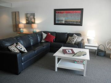 Golden Sands Ocean City condo rental - LIVING ROOM