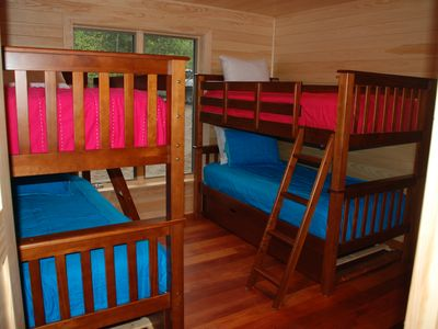 Edwards house rental - 3rd bedroom with 2 sets bunks
