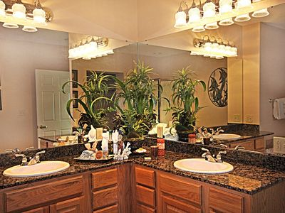 Master Suite with VIP details luxurious granite surfaces ,double vanity, jacuzzi