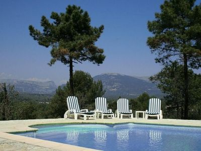 Secluded villa with lovely pool and stunning mountain and forest views