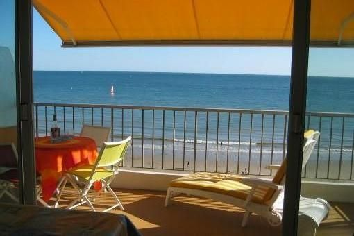 BEAUTIFUL APARTMENT FACING THE SEA. 68 M2 - 4 PERS. MAGNIFICENT VIEW ON ALL BAY