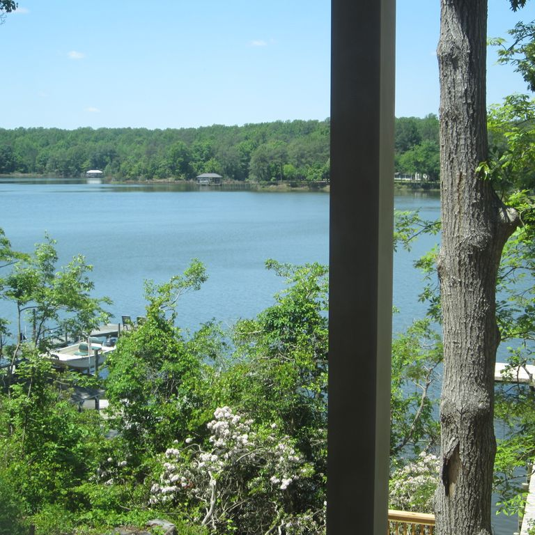 Waterfront Living Overlooking Private Pier-picturesque Views And Sunsets!
