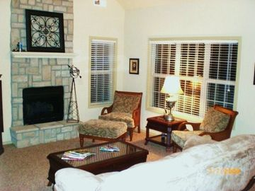 Branson condo rental - Living room