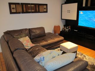 Jardim Botânico apartment photo - LIVING ROOM W/ 52in TV LED HD and Home Theater (2nd Floor)