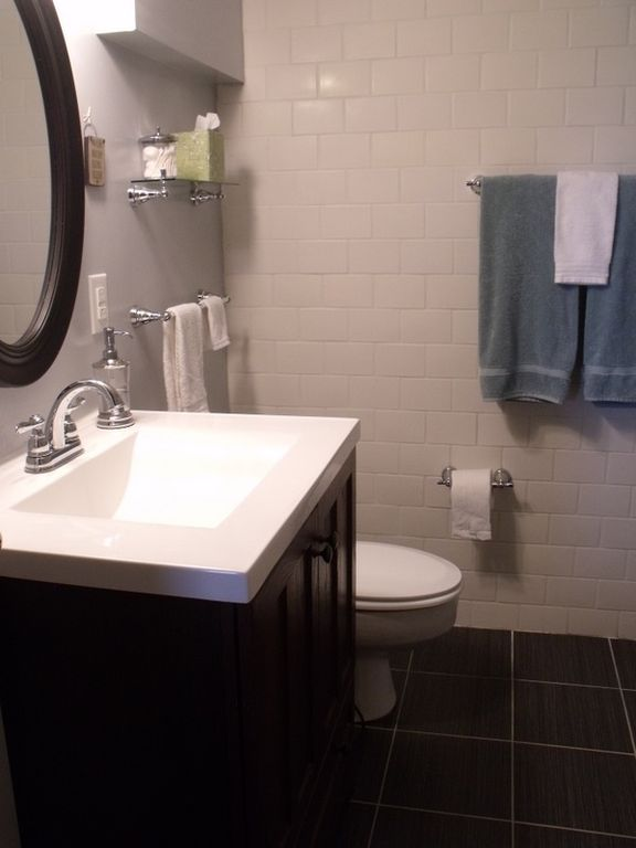 Downstairs Bathroom with Tub/Shower