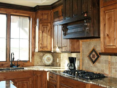 gorgeous kitchen with everything you need!!!!