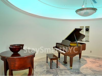 Murray Hill apartment rental - Apt #2FL - Piano
