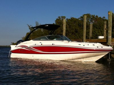 hurricane 2400 SD with 250 PS V6 Outboard Engine