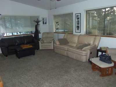 New carpet. Leather recliners. Ton's of windows.