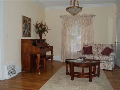 Coeur d 'Alene house rental - Lakeview Piano Parlor 1st Floor