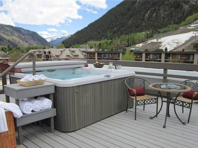 Rooftop Sun Deck and Hot Tub