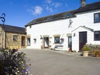 MANIFOLD VIEW, pet friendly, with a garden in Longnor, Ref 1875