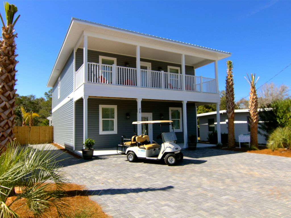 Big beach house new 3 min walk to vrbo for Large beach house