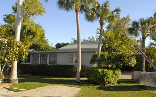 Sanibel Island cottage photo - Side view